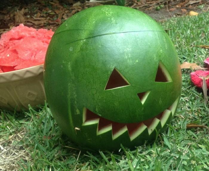 deko halloween diy ideen wassermelone monster selber basteln