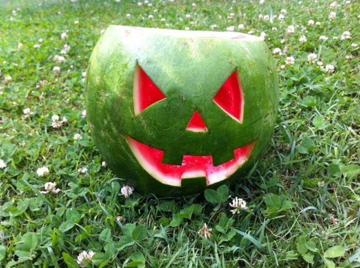 deko halloween wassermelone monster bastelideen