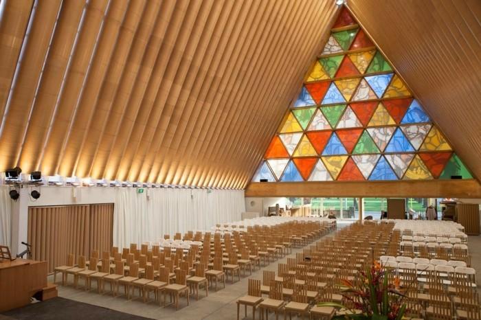 die kirche bleibt- dorf cardboard kathedral