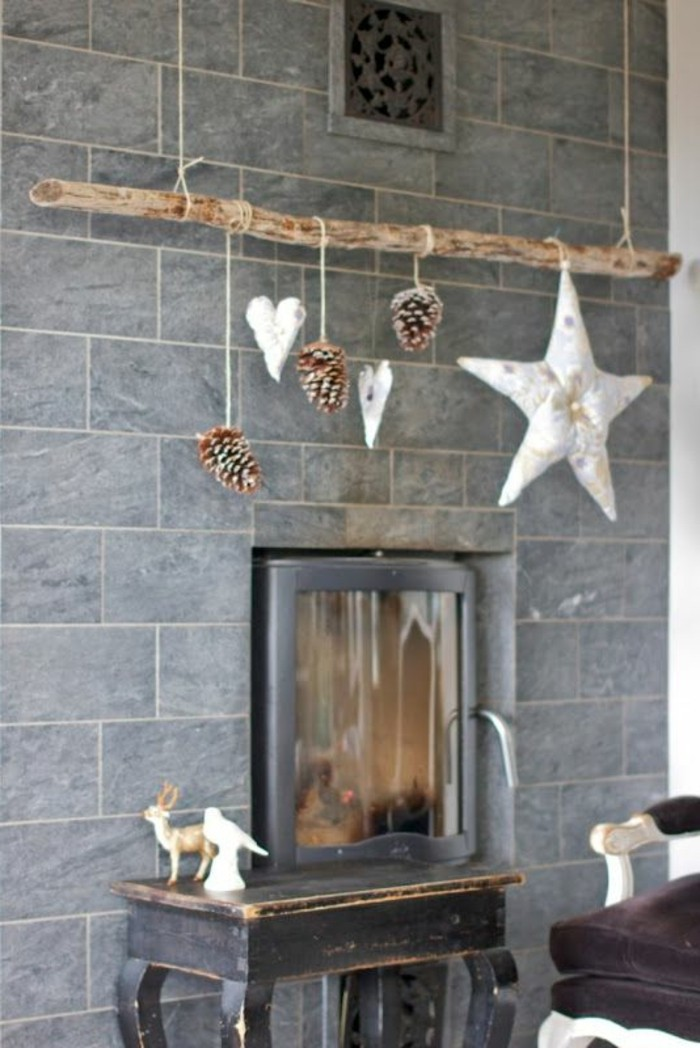 diy deko zapfen hängen kamin dekorieren