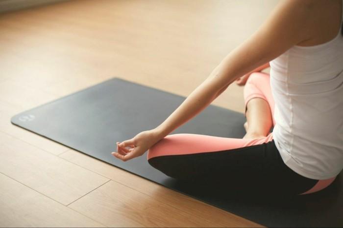 gesund abnehmen joga trainieren meditieren