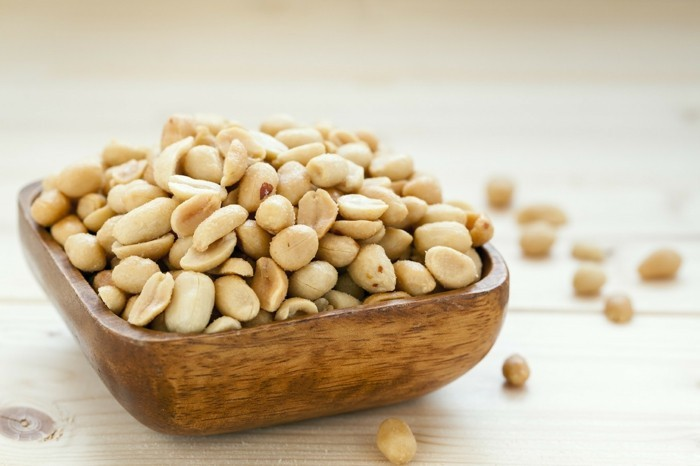 gesunde ernährung tipps erdnüsse fettige produkte