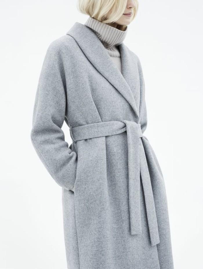 grauer mantel outfit- wintermode trends damenmantel mit gurtel