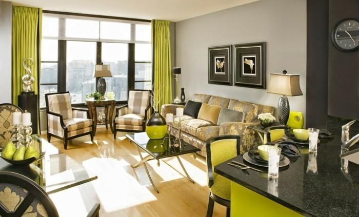 hausrenovierung wohnzimmer offener wohnplan polstermobel grune vorhange kucheninsel granit