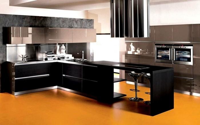 küchengestaltung dunkles holz hochglanz kuchenfronten gelber fusboden