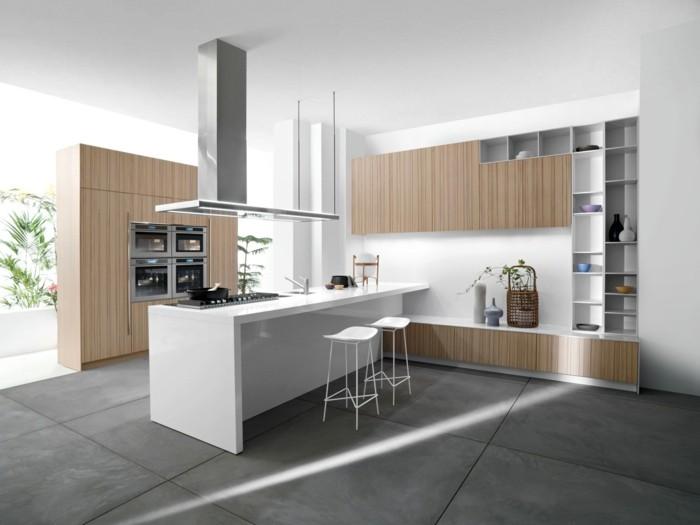 kuchengestaltung italienisches kuchendesign helles holzkuchenfronten aluminium weise kucheninsel