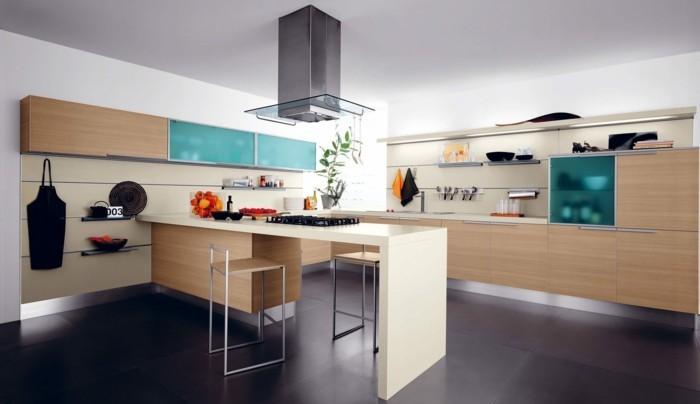 küchengestaltung minimalistischer stil helles holz cremeweis glasfronten kuchenmobel