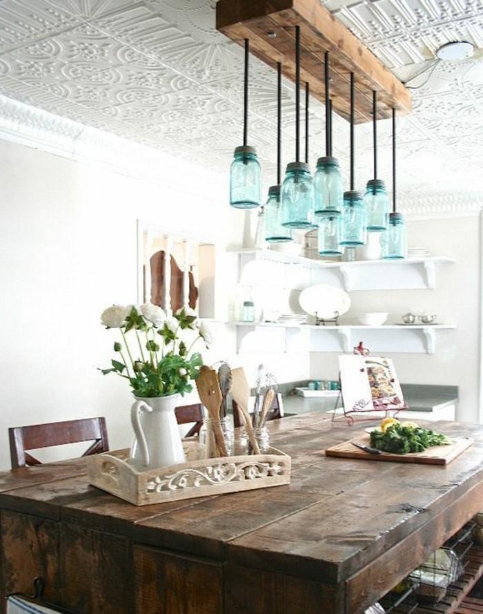 küchenideen beleuchtung holztisch rustikal blumendeko
