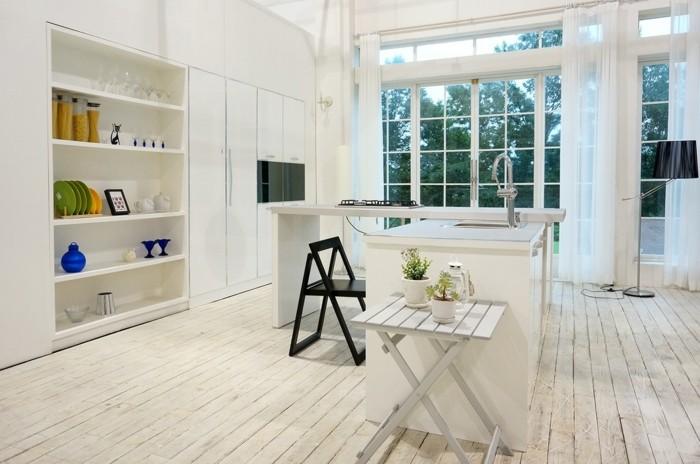küchenideen klappbare möbel holzboden pflanzen offene regale