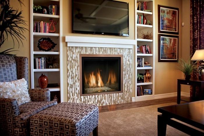 wohnzimmer mit kamin und fernseher. Black Bedroom Furniture Sets. Home Design Ideas
