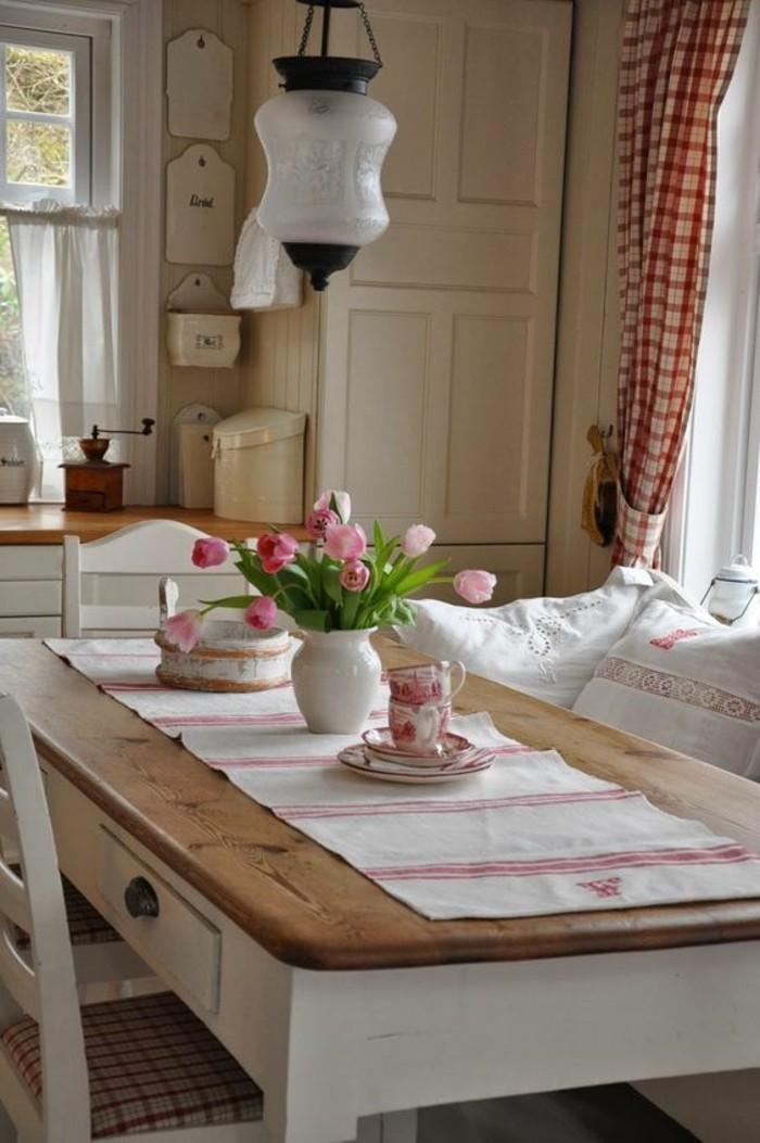 landhausmoebel einrichtung landhausstil esstisch tischlaufer rustikal