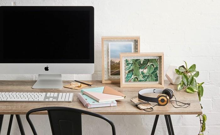 moderne inneneinrichtung home office einrichten kopfhörer pflanze ordnung
