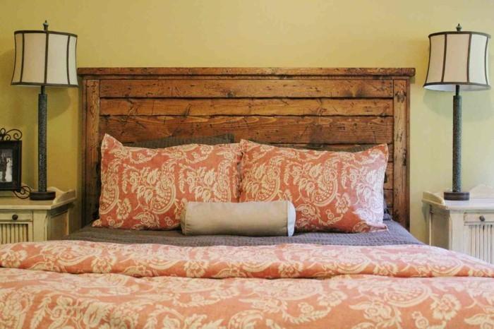 schlafzimmer gestaltung kopfbrett hölzern schöne bettwäsche