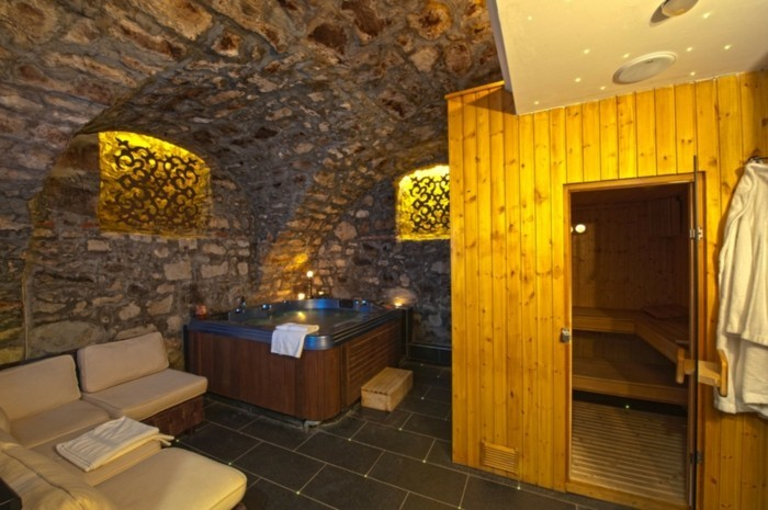 wellness f r zuhause whirlpool sauna oder dampfdusche. Black Bedroom Furniture Sets. Home Design Ideas
