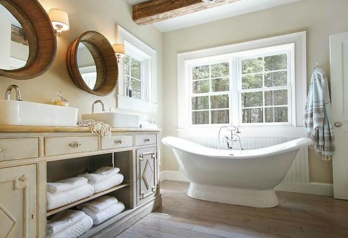 badezimmer gestalten runde wandspiegel badewanne