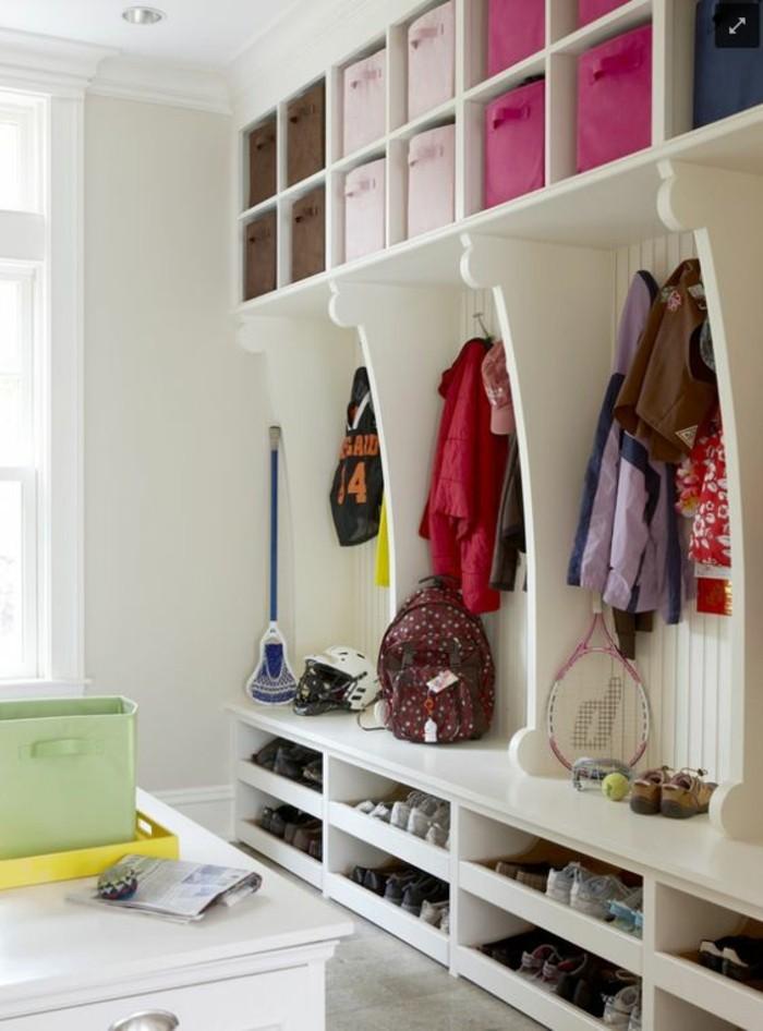 den kleinen flur gestalten 25 stilvolle einrichtungsideen. Black Bedroom Furniture Sets. Home Design Ideas