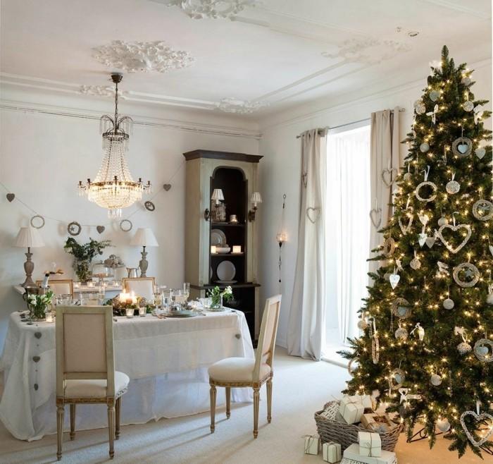 Inneneinrichtung Wohnzimmer Weihnachten Essbereich Weihnachtsbaum