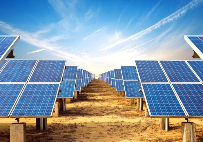 klimaneutraler urlaub fliegen solaranlagen photovoltaik