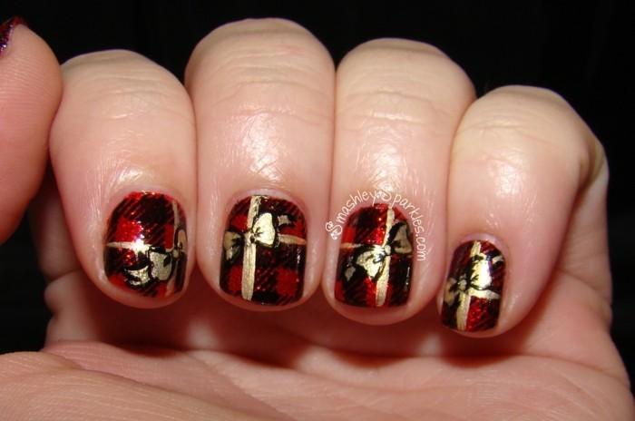 nageldesign ideen winter weihnachtliche fingernaegel geschenk