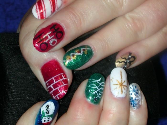 nageldesign ideen winter weihnachtliche fingernaegel muster