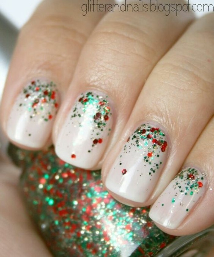nageldesign weihnachten muster nailart winter muster