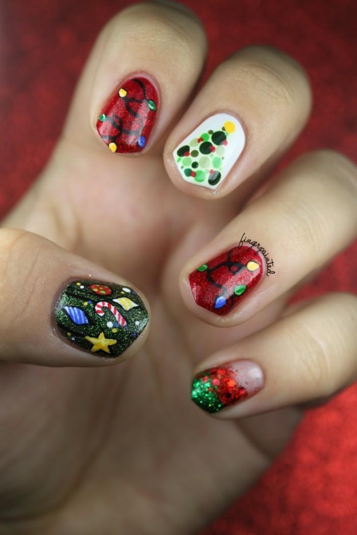nageldesign weihnachtsmotive weihnachtliche fingernaegel
