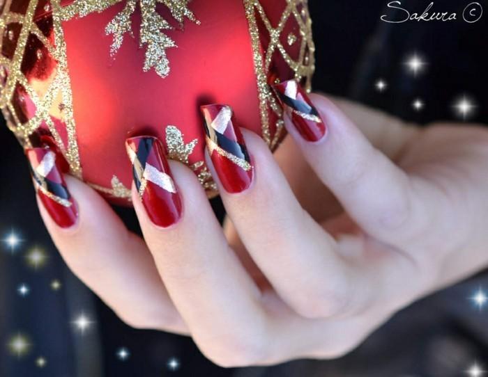 nageldesign weihnachtsmotive weihnachtliche naegel muster