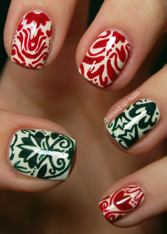 nageldesign winter weihnachtsmotive fingernaegel muster