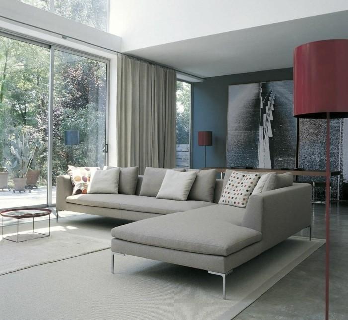 schoene sofas stilvolles design heller teppich lange grdinen