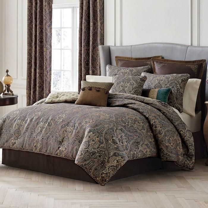 schlafzimmergestaltung braune farbnuancen blickdichte gardinen