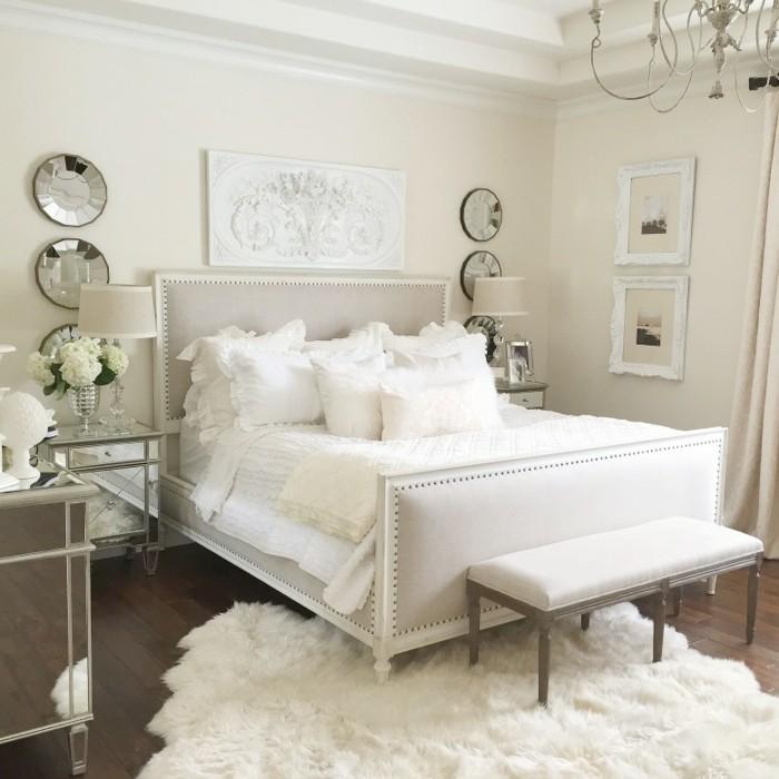 schlafzimmergestaltung helles interieur wanddeko sitzbank
