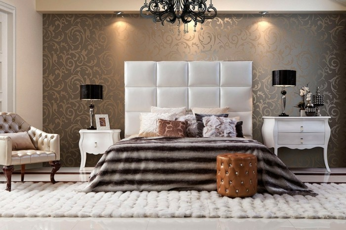 schlafzimmergestaltung luxurioeses interieur tapete florales muster heller teppich