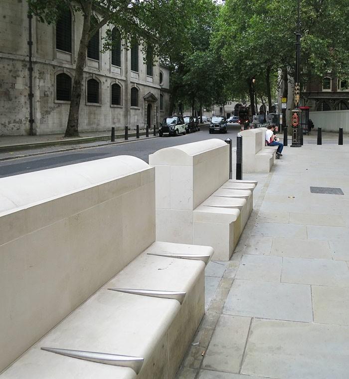 sitzbaenke moderne stilvolle stadtbaenke london