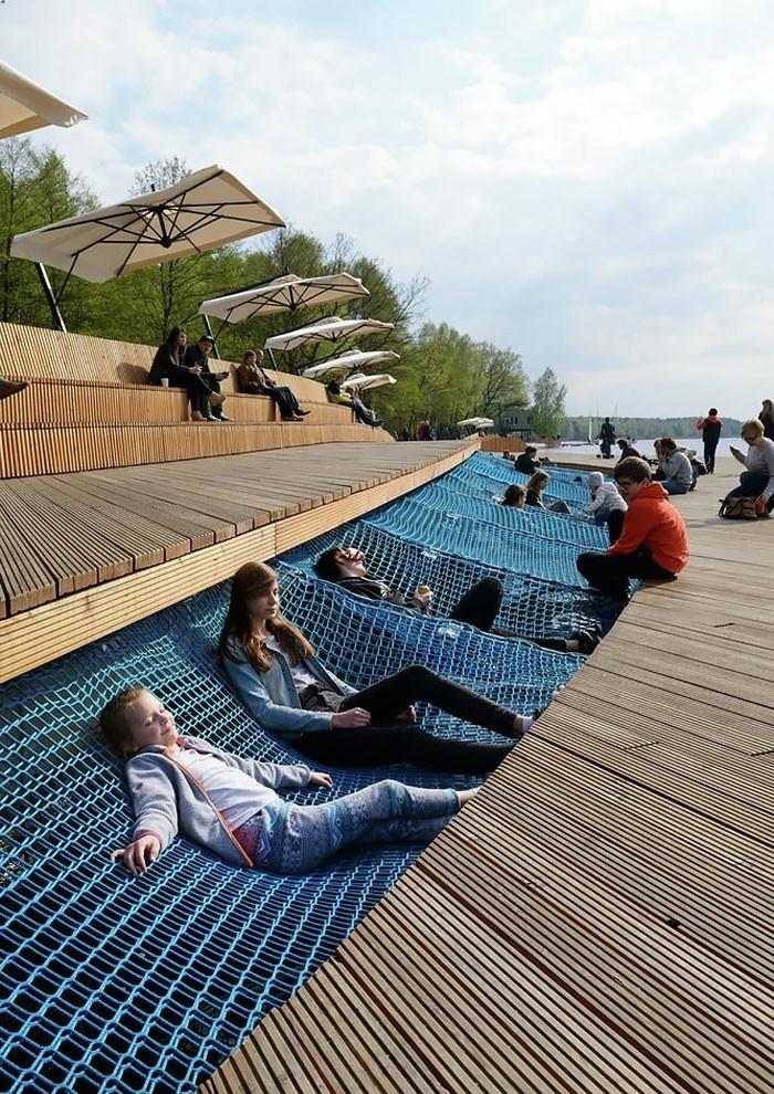 sitzbaenke paprocany lake shore neugestaltung