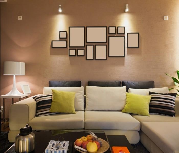 Kleine Wohnzimmer können ganz schön groß rauskommen, wenn man ein paar grundlegende Tipps und Tricks beachtet.