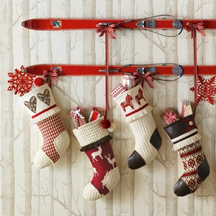 weihnachtsdeko diy ideen socken schi wanddekoration