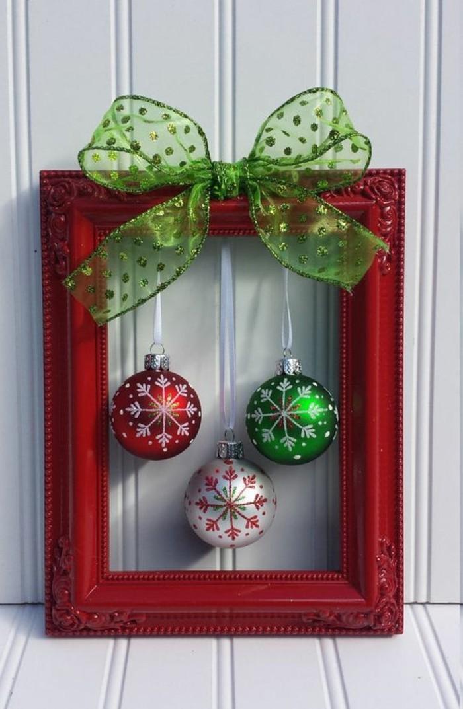 weihnachtsdeko diy ideen weihnachtskugeln stoffband bilderrahmen