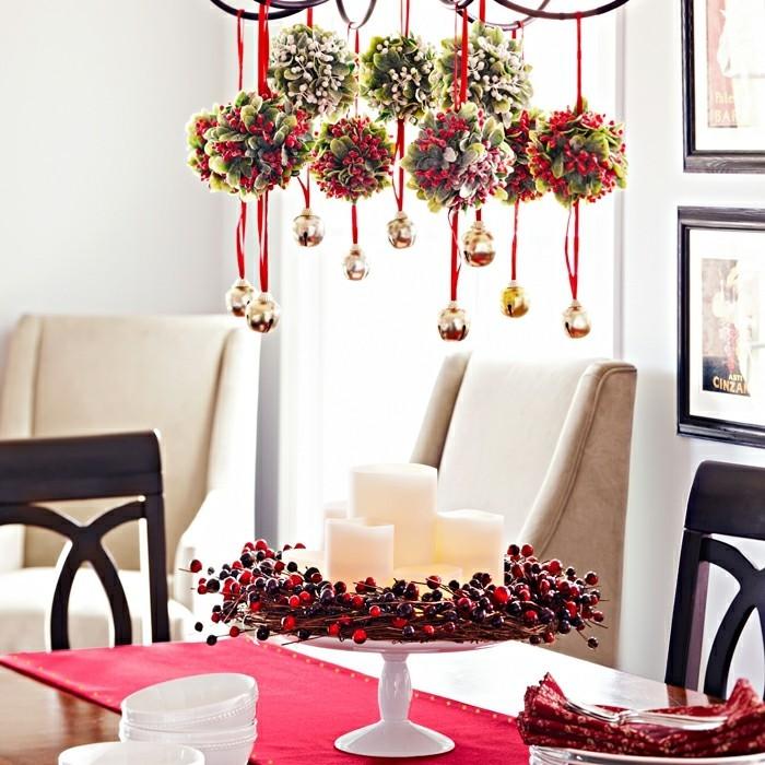 wohnideen esszimmer weihnachtliche dekoideen roter tischlaeufer weisses geschirr