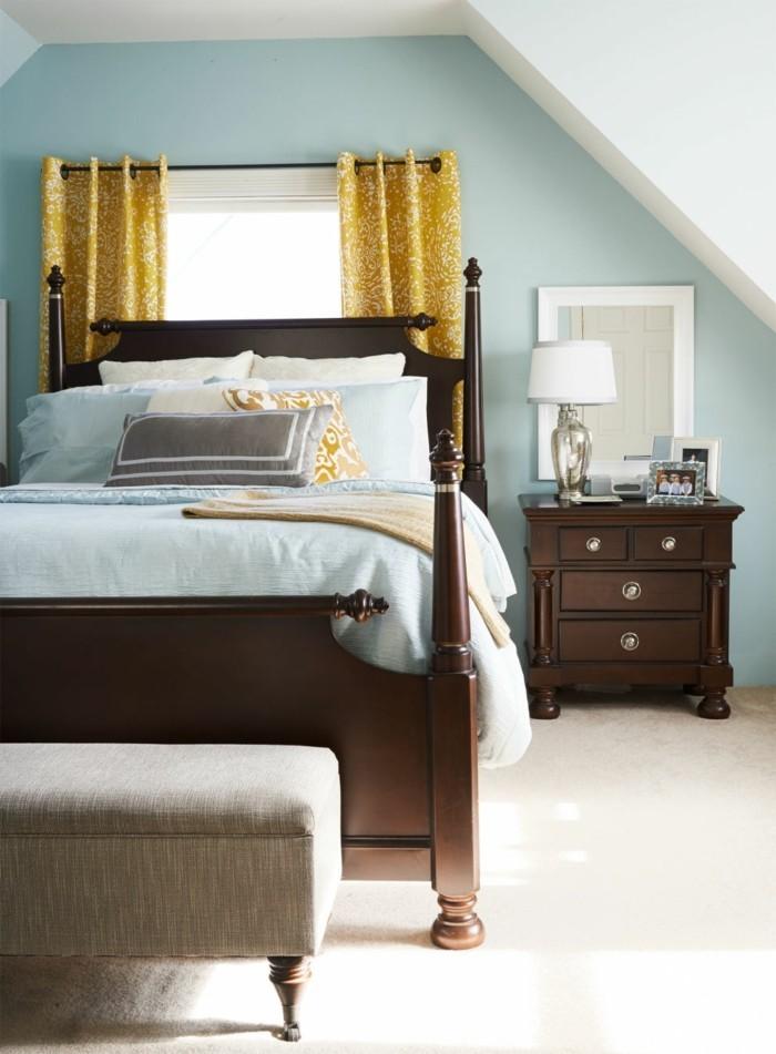 wohnideen schlafzimmer gruene waende weisser teppichboden braune moebel
