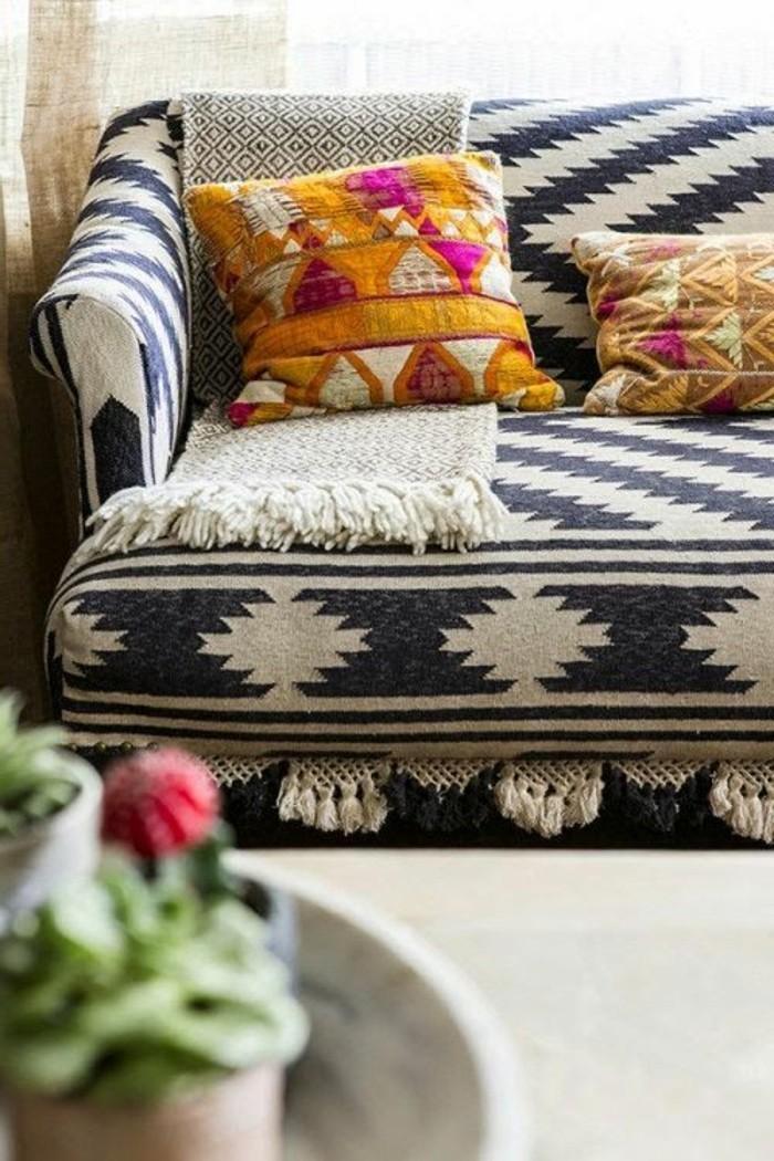 wohnideen wohnzimmer sofabezug muster behaglich dekokissen