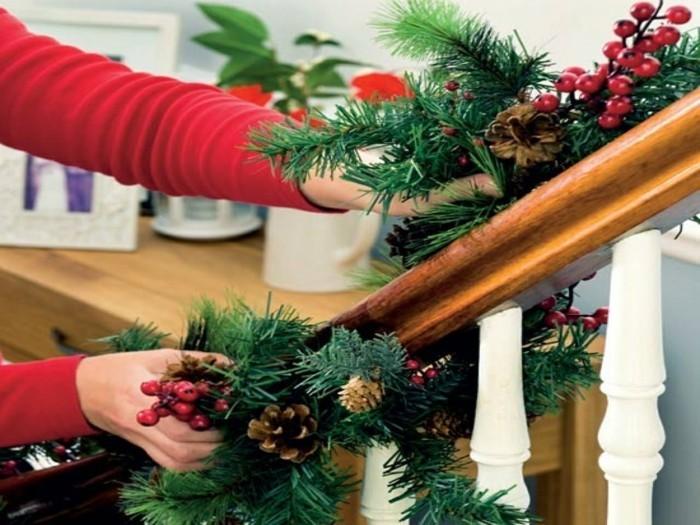 deko ideen weihnachten berghuette farben laterne tischdeko treppe
