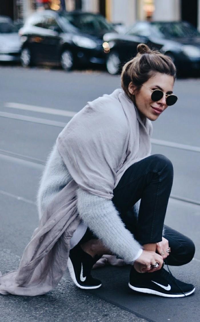 grauer pullover damenmode wintertrends sportliche mode strassenmode trends
