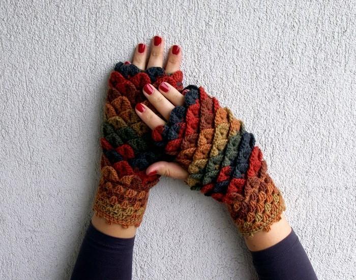 handschuhe haekeln drachenschuppen farbig
