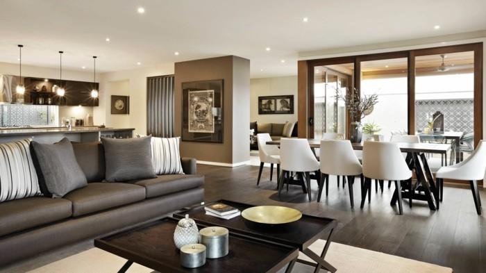 offener wohnplan wohnzimmer klapptische esstisch stuehle sofa essraum kueche