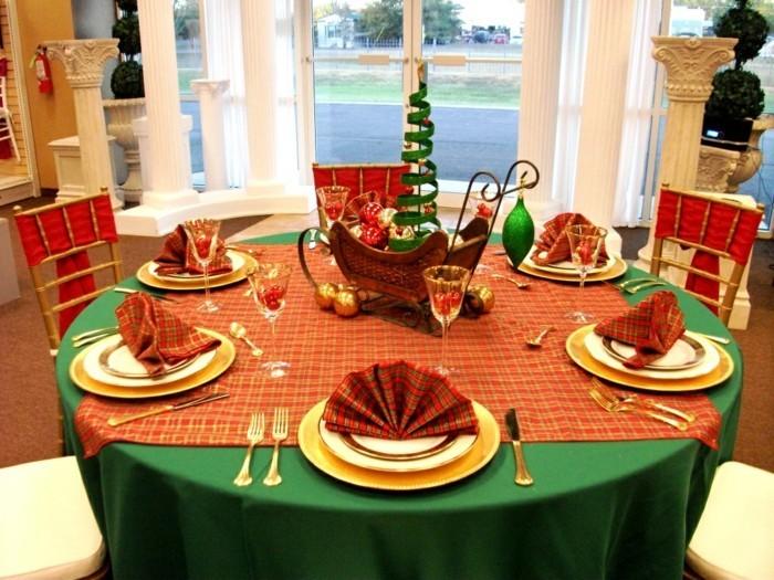 weihnachtliche tischdeko klassisch 3