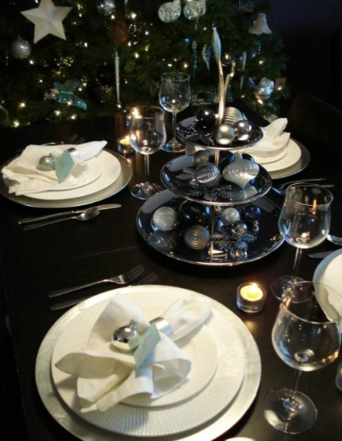 weihnachtliche tischdeko klassisch teller schwarz