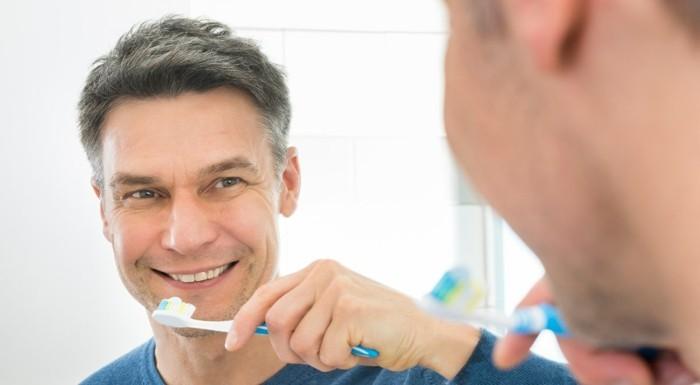 zahnaufhellung ideen weisse zaehne bleichen methoden zahnbuerste