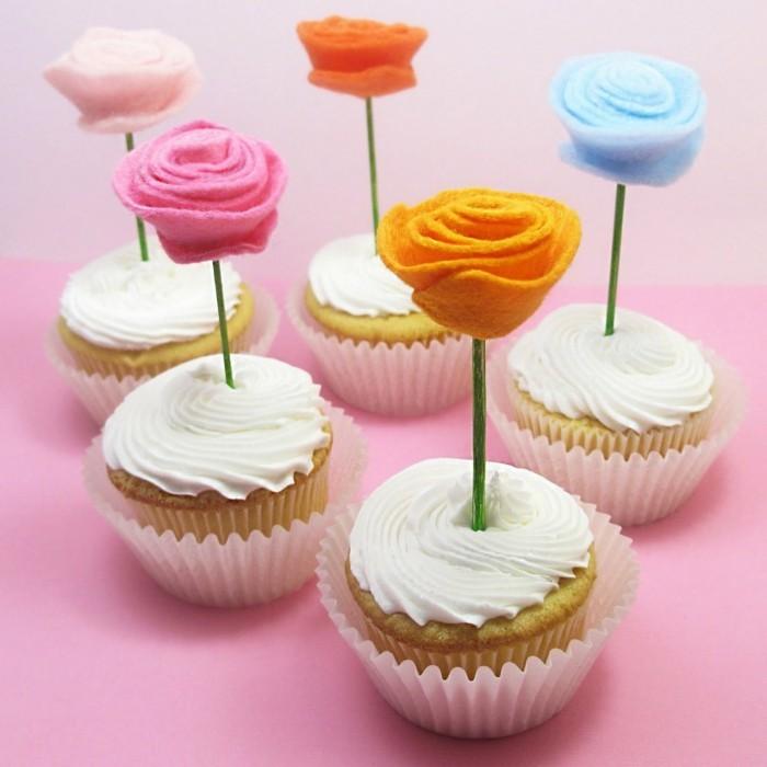 blumen selber basteln filzblumen cupcakes