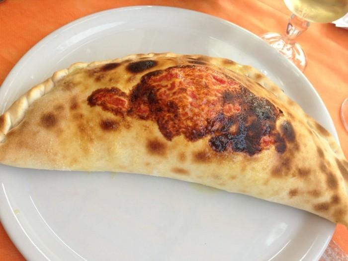 calzone pizza italien