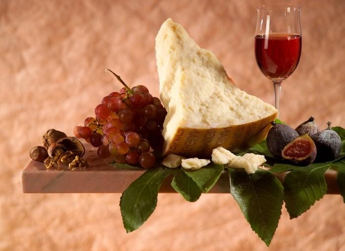 interessante fakten ueber parmesankaese gourmet ideen essen gerichte italienisch parmigiano reggiano